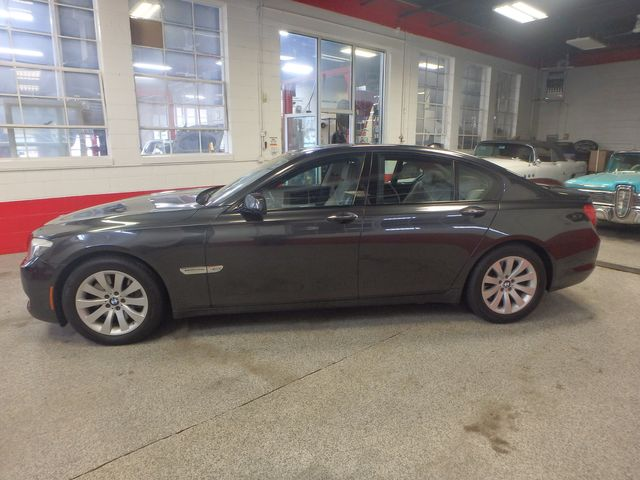 2011 Bmw 750 Xi Awd. KING OF THE ROAD! LOADED & CLEAN! Saint Louis Park, MN 10
