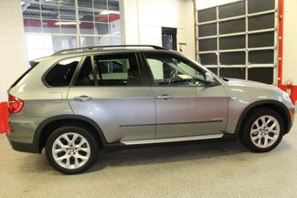 2011 Bmw X5 35i Premium AWD, LARGE ROOF, VERY SHARP SUV Saint Louis Park, MN 9