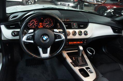 2011 BMW Z4 sDrive30i    Tempe, AZ   ICONIC MOTORCARS, Inc. in Tempe, AZ