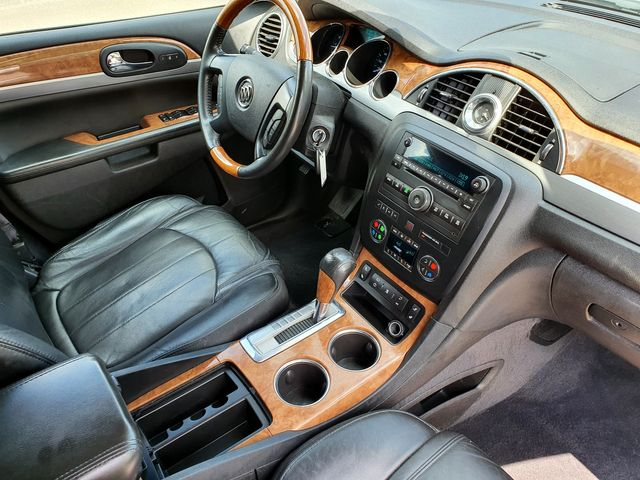 2011 Buick Enclave CXL-1 FWD 7-Passenger w/Leather/Heated seats in Louisville, TN 37777