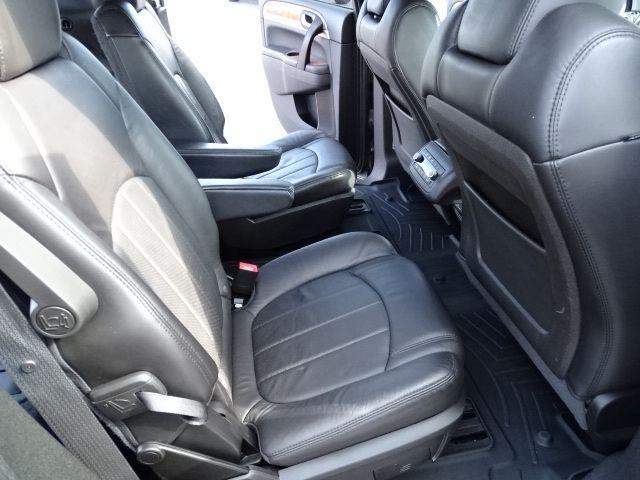 2011 Buick Enclave CXL-2 Valparaiso, Indiana 10