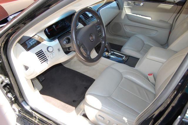 2011 Cadillac DTS Luxury Collection Charlotte, North Carolina 4