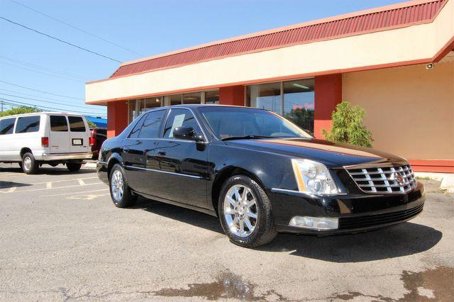 2011 Cadillac DTS Luxury Collection Charlotte, North Carolina 1