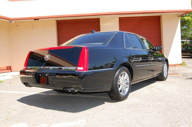 2011 Cadillac DTS Luxury Collection Charlotte, North Carolina 2