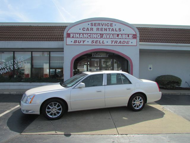 2011 Cadillac DTS Luxury *SOLD