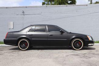 2011 Cadillac DTS Premium Collection Hollywood, Florida 3