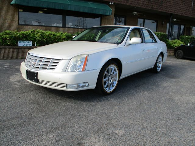 2011 Cadillac DTS Platinum Collection in Memphis, TN 38115