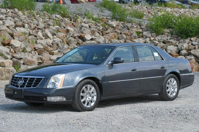 2011 Cadillac DTS Premium Collection Naugatuck, Connecticut