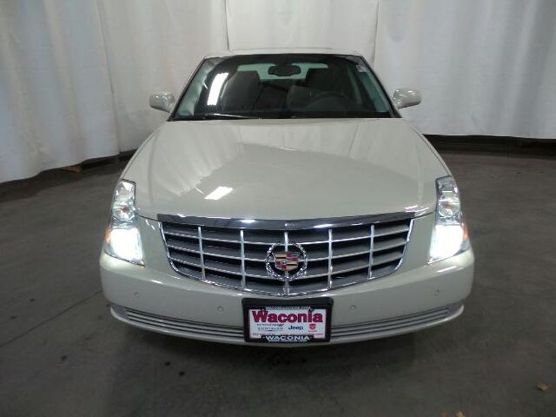 2011 Cadillac DTS Luxury Collection  in Victoria, MN