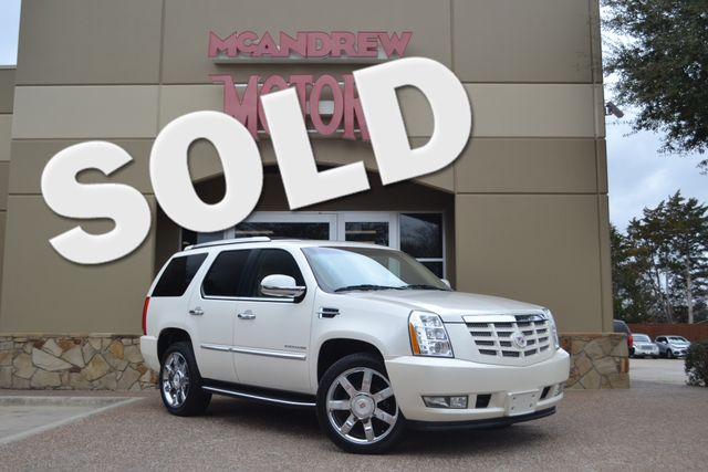 2011 Cadillac Escalade Luxury Low Miles