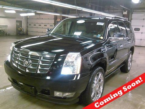 2011 Cadillac Escalade Premium in Bedford, Ohio