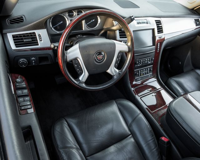 2011 Cadillac Escalade Premium Burbank, CA 18