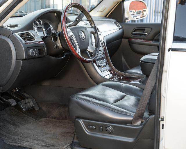 2011 Cadillac Escalade Premium Burbank, CA 21