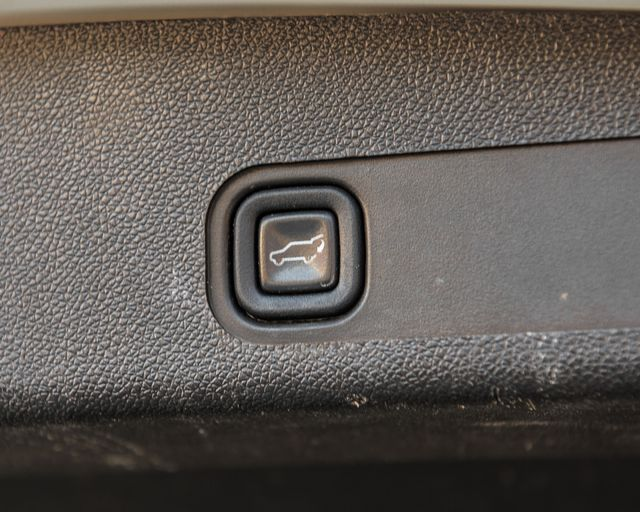 2011 Cadillac Escalade Premium Burbank, CA 35