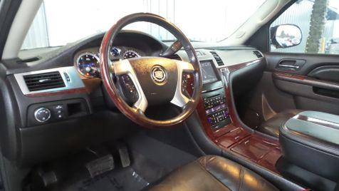2011 Cadillac Escalade AWD Navi Tv/DVD Sunroof Clean Carfax We Finance | Canton, Ohio | Ohio Auto Warehouse LLC in Canton, Ohio