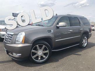 2011 Cadillac Escalade Luxury AWD Navi Tv/DVD Cln Carfax We Finance | Canton, Ohio | Ohio Auto Warehouse LLC in Canton Ohio