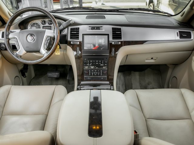 2011 Cadillac Escalade ESV Premium Burbank, CA 8