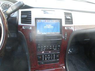 2011 Cadillac Escalade ESV Luxury Farmington, MN 7