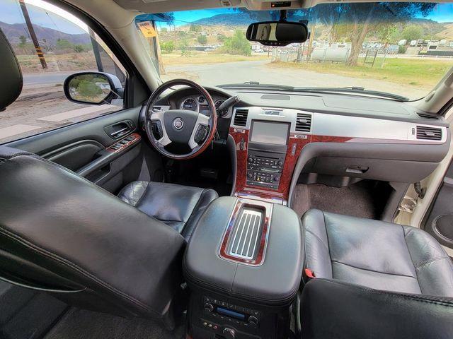 2011 Cadillac Escalade ESV Premium Santa Clarita, CA 7