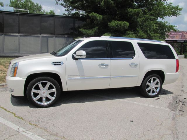2011 Cadillac Escalade ESV Luxury St. Louis, Missouri 2