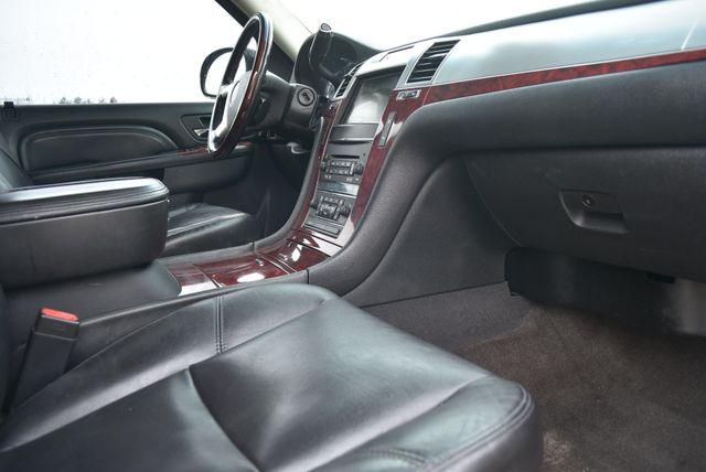 2011 Cadillac Escalade Luxury Naugatuck, Connecticut 9