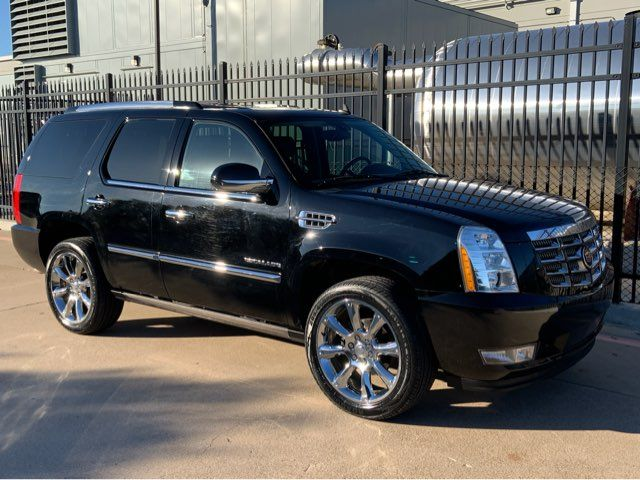 2011 Cadillac Escalade Premium * DVD * 22s * Sunroof * PWR BOARDS * Navi