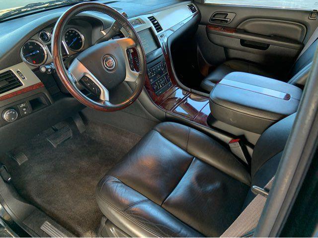 2011 Cadillac Escalade Premium * DVD * 22s * Sunroof * PWR BOARDS * Navi in Carrollton, TX 75006