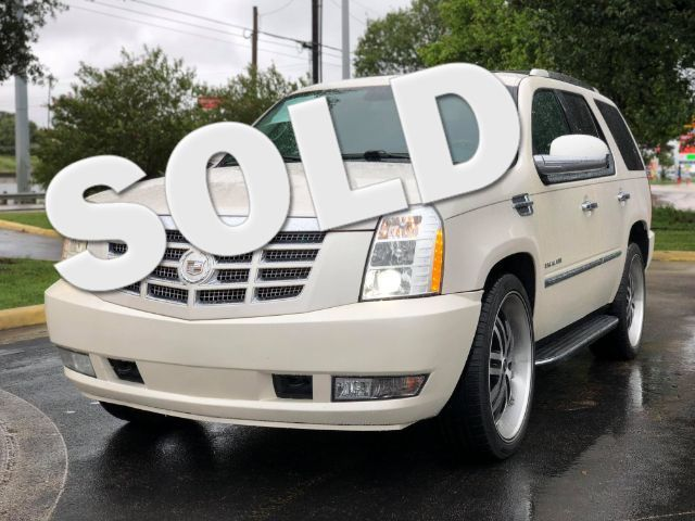 2011 Cadillac Escalade Luxury in San Antonio TX, 78233