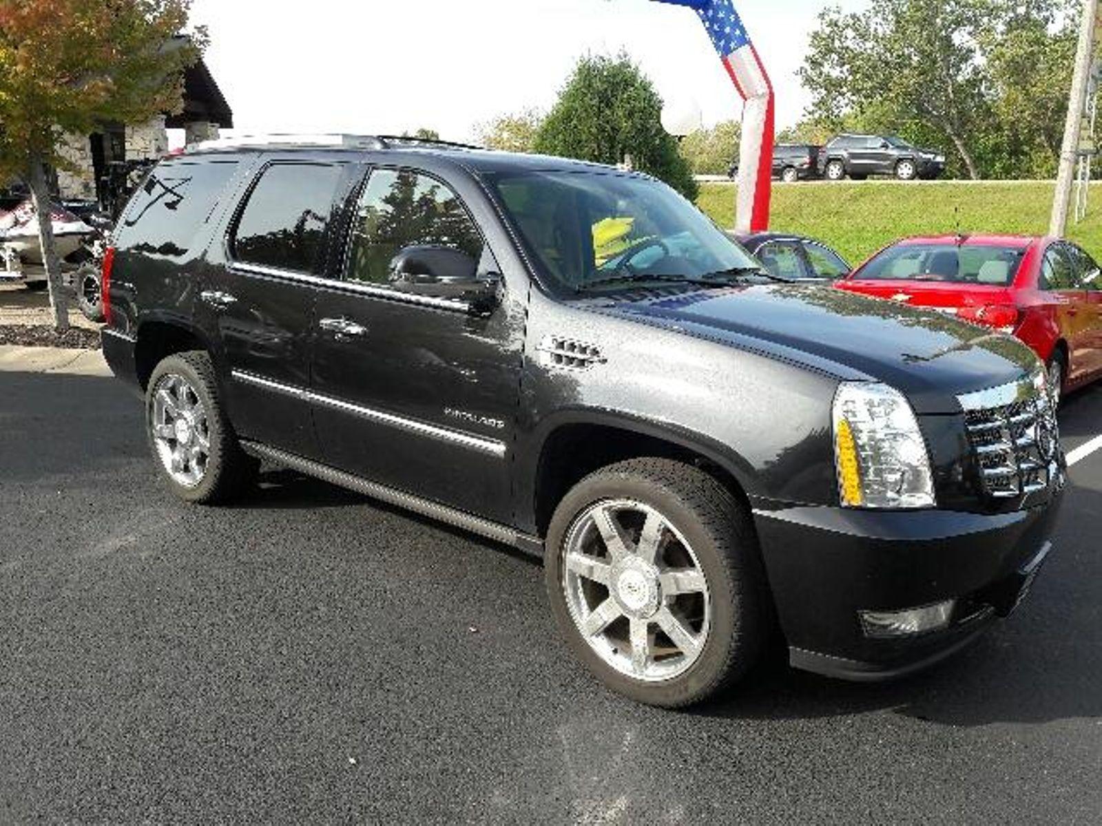 ... 2011 Cadillac Escalade Premium in Victoria, MN ...