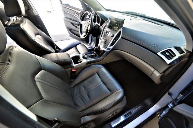 2011 Cadillac SRX Luxury Collection in Reseda, CA, CA 91335