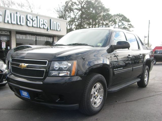 2011 Chevrolet Avalanche 4X4 LS Richmond, Virginia 1