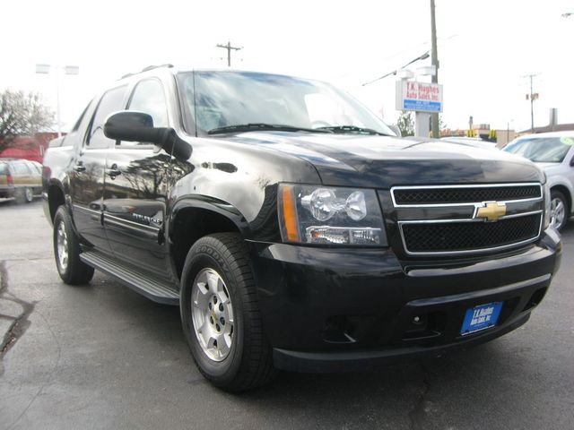 2011 Chevrolet Avalanche 4X4 LS Richmond, Virginia 3