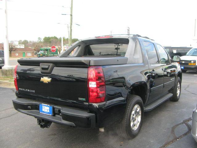 2011 Chevrolet Avalanche 4X4 LS Richmond, Virginia 4