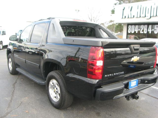 2011 Chevrolet Avalanche 4X4 LS Richmond, Virginia 6