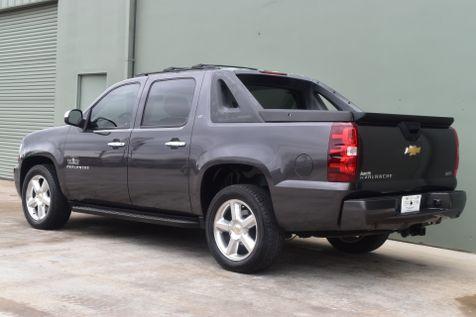 2011 Chevrolet Avalanche LT | Arlington, TX | Lone Star Auto Brokers, LLC in Arlington, TX