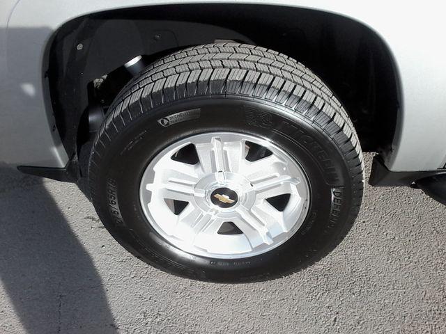 2011 Chevrolet Avalanche LT Z71 Boerne, Texas 35