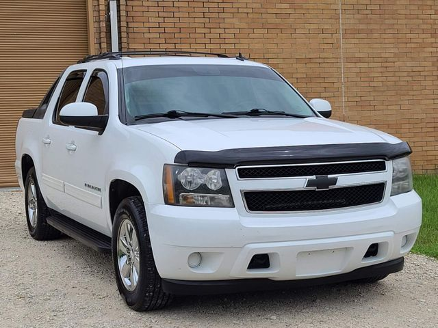 2011 Chevrolet Avalanche LS in Hope Mills, NC 28348
