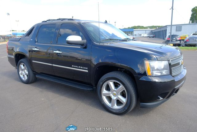 2011 Chevrolet Avalanche LTZ in Memphis Tennessee, 38115