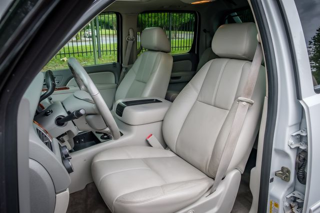 2011 Chevrolet Avalanche LT SUNROOF LEATHER SEATS in Memphis, TN 38115