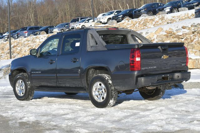 2011 Chevrolet Avalanche LS Naugatuck, Connecticut 2