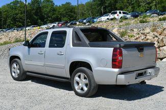 2011 Chevrolet Avalanche LT 4WD Naugatuck, Connecticut 4