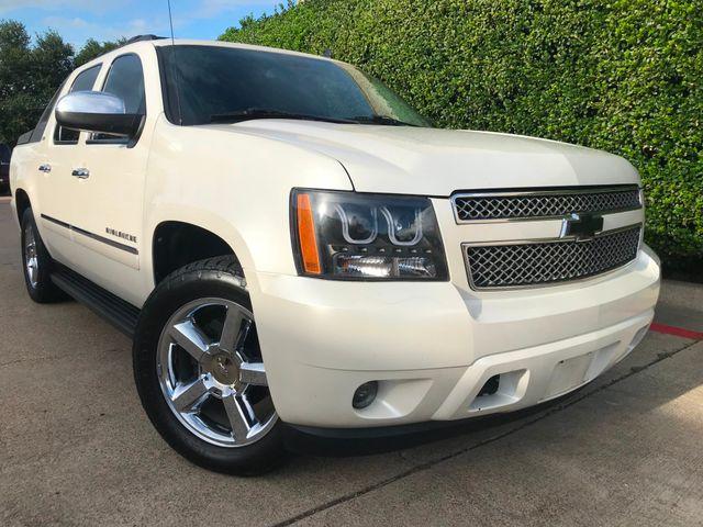 2011 Chevrolet Avalanche LTZ w/20's**White Diamond**Must See in Plano Texas, 75074