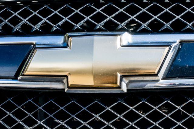 2011 Chevrolet Avalanche LS Reseda, CA 49