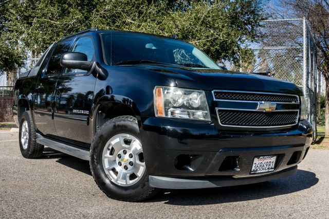 2011 Chevrolet Avalanche LS Reseda, CA 44