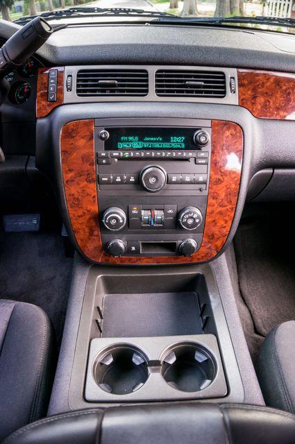 2011 Chevrolet Avalanche LS Reseda, CA 24