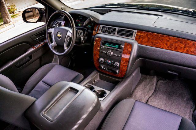 2011 Chevrolet Avalanche LS Reseda, CA 34