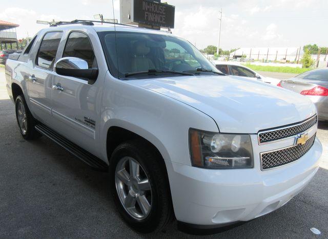 2011 Chevrolet Avalanche LT south houston, TX 4