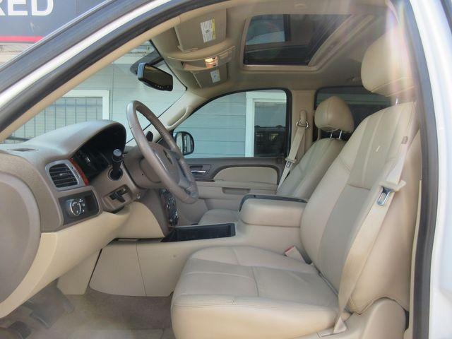 2011 Chevrolet Avalanche LT south houston, TX 5