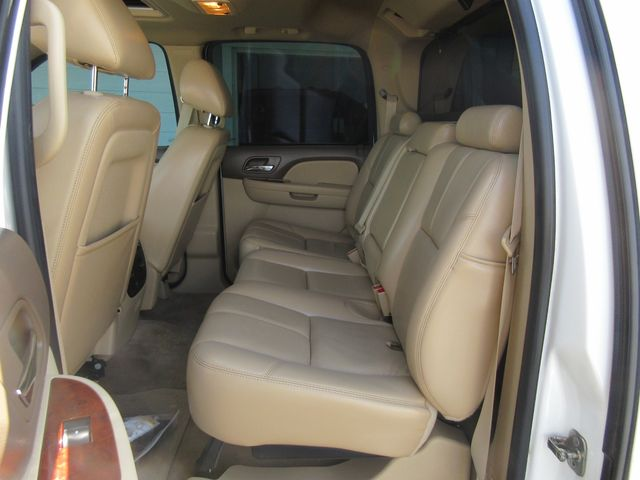 2011 Chevrolet Avalanche LT south houston, TX 6