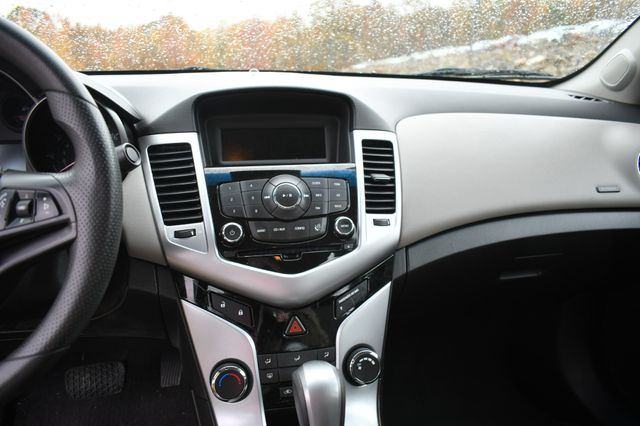 2011 Chevrolet Cruze LS Naugatuck, Connecticut 21